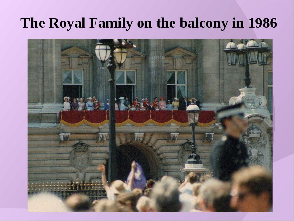 The Royal Family on the balcony in 1986