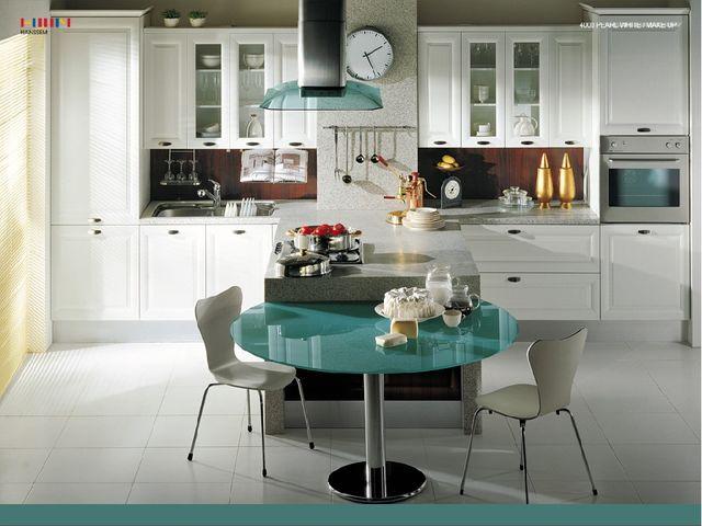 Wohnungen mit viel Komfort: elektrischem Licht, Wasserleitung, Gas, Radio, Fe...