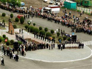 Памятник лётчику-герою Алексею Петровичу Маресьеву