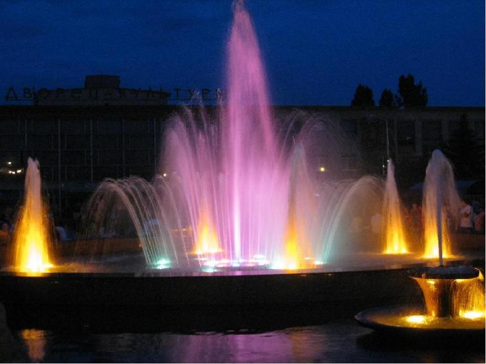 Красота ночного города… Он красив на рассвете, Он красив на закате, И всегда...