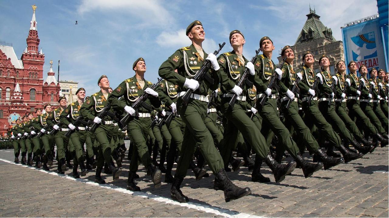 И сегодня Российская Армия надежно защищает свою страну от всех врагов, охран...