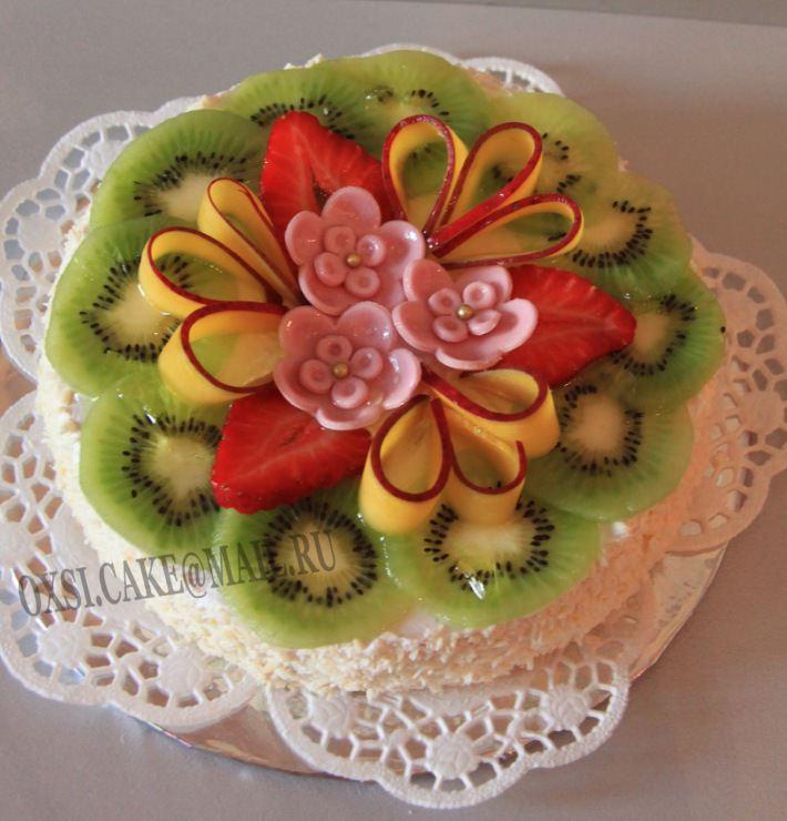 Оформление торта фруктами фото