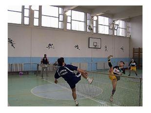 В футболтеннисе существует несколько дисциплин: сингл (игра один на один), дв