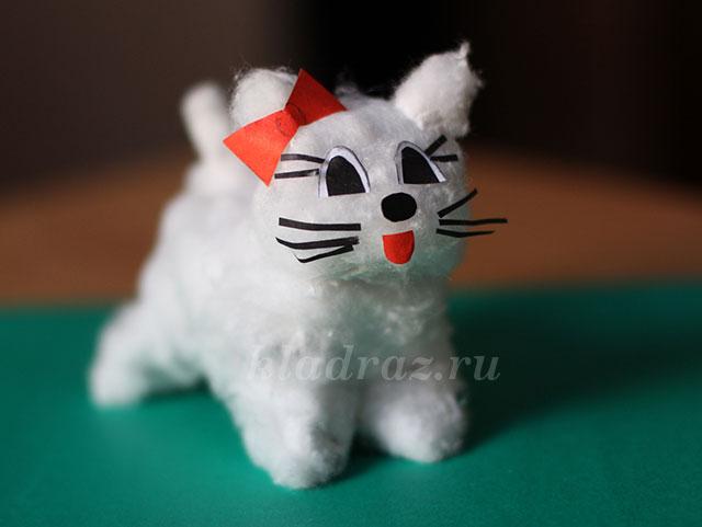 Поделка кошка из разных материалов 38