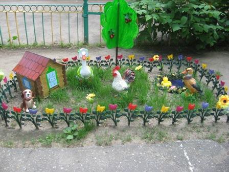 Фото как украсить участок детского сада в летний период