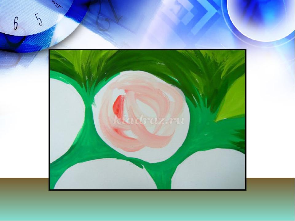 Теперь цветы-сначала окрашиваем один цветок в белый цвет, на кисть набираем...