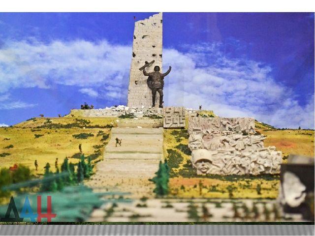 Донецкая область. Саур-Могила – одна из наивысших точек Донецкого кряжа.