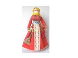 Самой распространённой среди игрушек была кукла. Глиняные, деревянные, тряпич