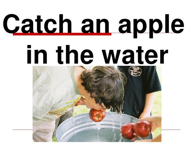 Catch an apple in the water