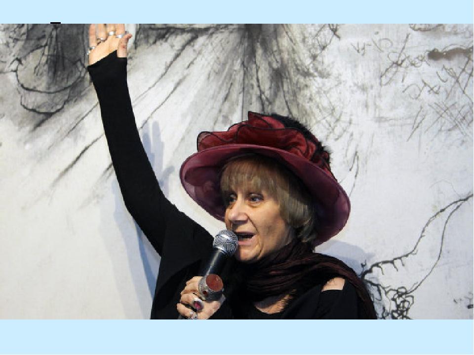 Петрушевская находит темы для своих рассказов там, где людям больно и стыдно...