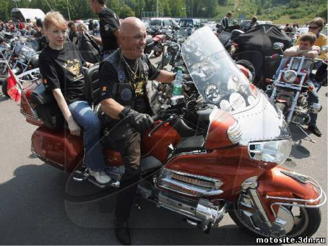 Чтобы быть байкером, похоже, требуются всего две вещи: 1. Мотоцикл (не надо б...