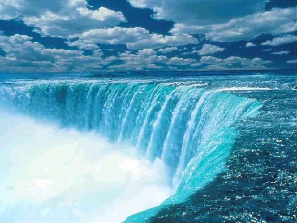 Отражение в воде.
