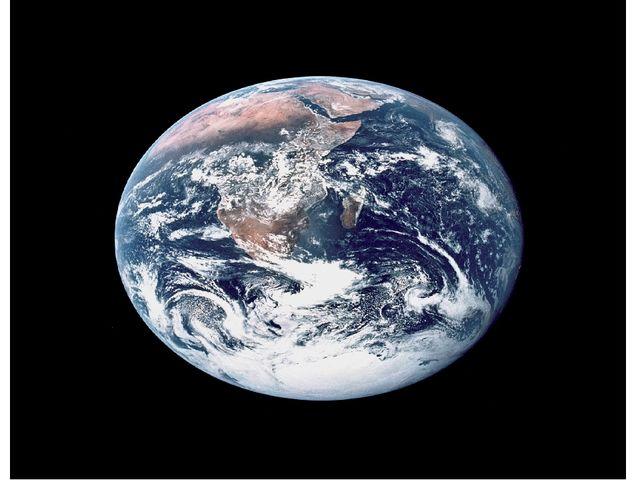Сейчас активно развивается космический туризм. Кто знает, может быть, в самом...