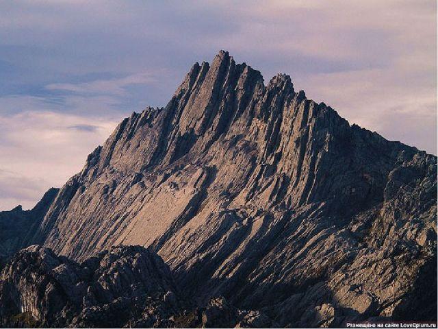 Пирамида Карстенса — высочайшая гора в Австралии и Океании (4884 м). Располож...