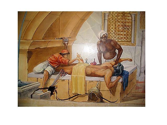 В Древнем Риме массаж проводили в банях, совмещая его с физическими упражнени...