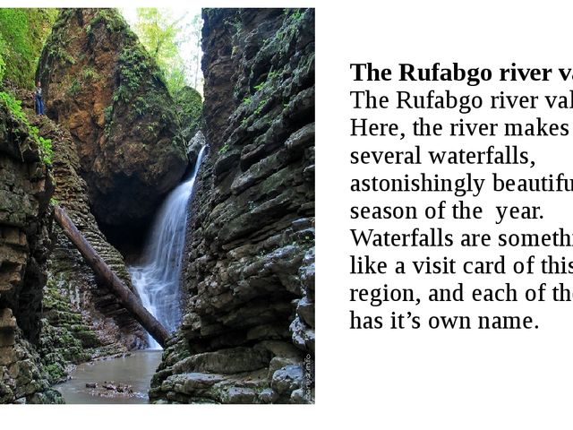 The Rufabgo river valley The Rufabgo river valley. Here, the river makes seve...
