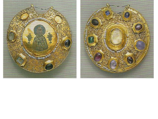 Колты, лицевая сторона. Древняя Русь, Рязань, XII век. Золото, жемчуг, драго...