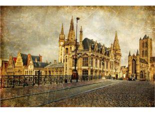 Впервые достоверное изображение города появилось в период готики.