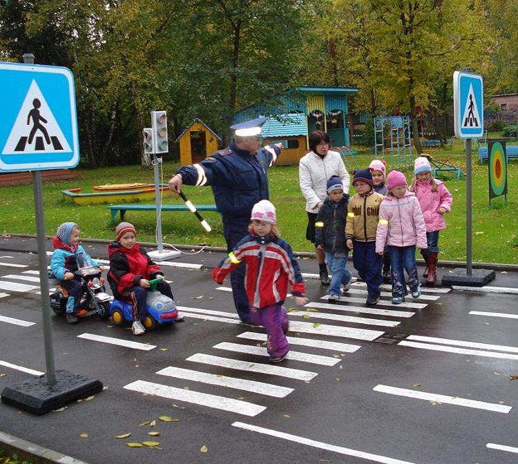 Правила дорожного движения в детском саду фото