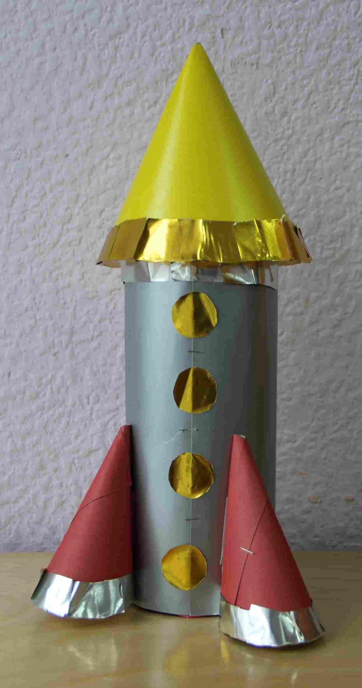 Как ребенку сделать ракету