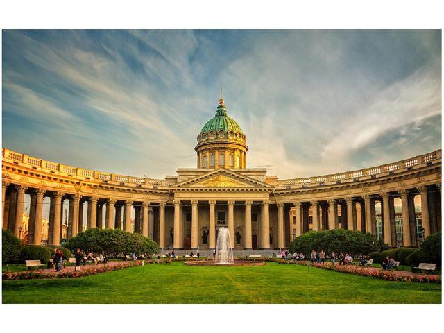Санкт- Петербург не случайно называют Северной столицей. Судьба этого города...